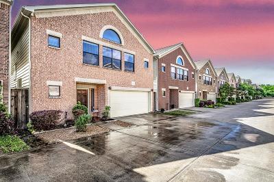 Garden Oaks Single Family Home For Sale: 650 Westcross Street #98
