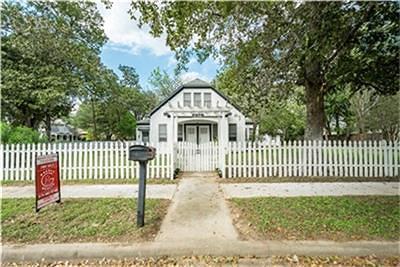 Columbus Single Family Home For Sale: 636 Washington Street