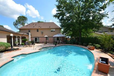 Houston Single Family Home For Sale: 12427 Honeywood Trail