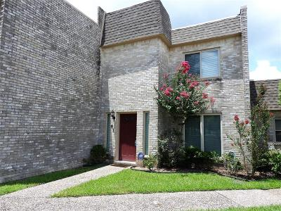 Sugar Land Condo/Townhouse For Sale: 61 River Creek Way