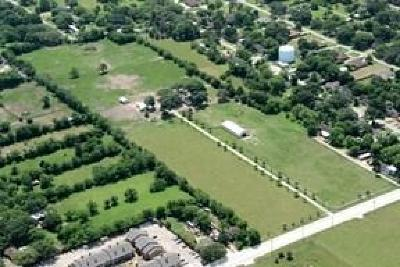 Fort Bend County Farm & Ranch For Sale: 2615 Bamore Road N