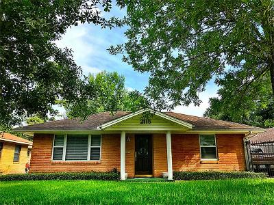 Houston Single Family Home For Sale: 2115 Woodcrest Drive