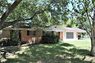 Hallettsville Single Family Home For Sale: 1003 E 5th Street