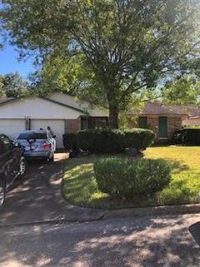 Single Family Home For Sale: 527 Wood Smoke Drive