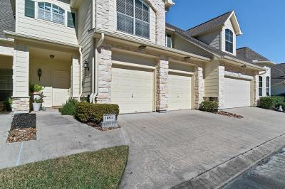 Houston Condo/Townhouse For Sale: 10814 Millridge Pines Court