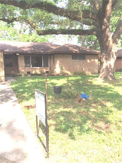 Tomball Single Family Home For Sale: 704 Barbara