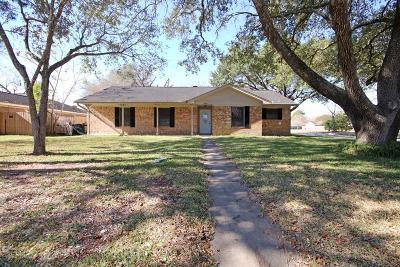 Pearland Single Family Home For Sale: 2902 Neches River Drive