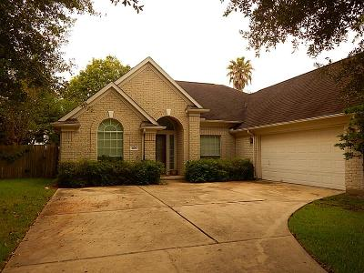 League City Single Family Home For Sale: 2106 Coldwater Bridge Lane