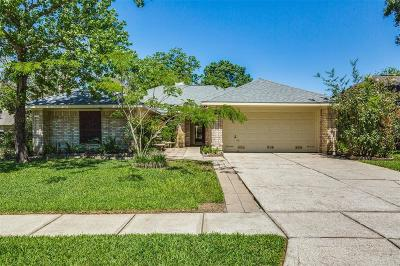 Friendswood Single Family Home For Sale: 4726 Backenberry Drive