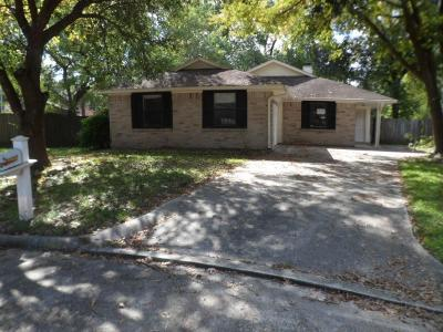 Single Family Home For Sale: 2102 Rolling Glen Drive