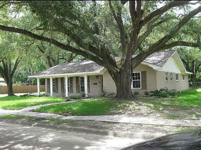 Liberty Single Family Home For Sale: 2306 Hollywood