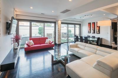 Houston Single Family Home For Sale: 1715 Nantucket Drive #D