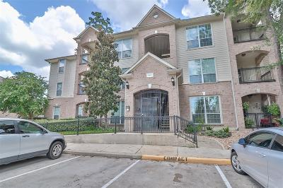 The Woodlands Condo/Townhouse For Sale: 6607 Lake Woodlands Drive #222