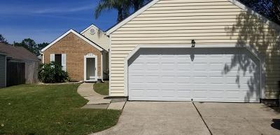 Single Family Home For Sale: 16811 Doverwood Way