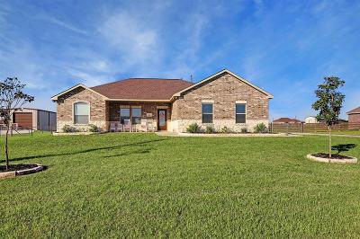 Austin County Single Family Home Pending Continue to Show: 5691 Pioneer Trail