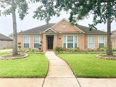 League City Single Family Home For Sale: 2914 Laguna Shores Lane