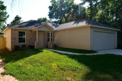 Willis Single Family Home For Sale: 3972 Frontier Road