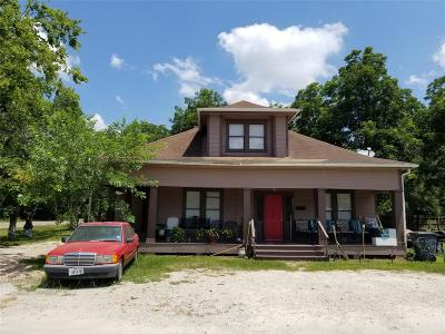Bay City Single Family Home For Sale: 2001 W Lois Street W