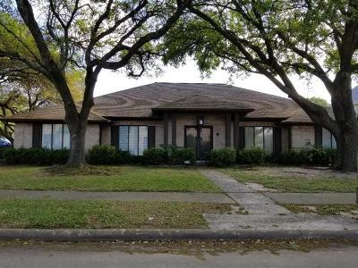 Pasadena Single Family Home For Sale: 4218 Los Verdes Drive