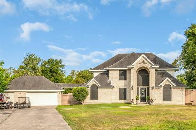 Baytown Single Family Home Pending Continue to Show: 1403 Magnolia Bend W