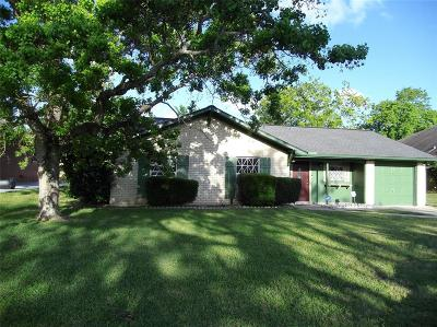 Texas City Single Family Home For Sale: 2610 Clara Lane
