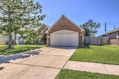 Friendswood Single Family Home For Sale: 2719 Cross Tide Lane