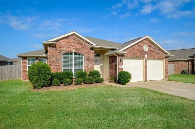 Richmond Single Family Home For Sale: 124 Long Canyon Lane