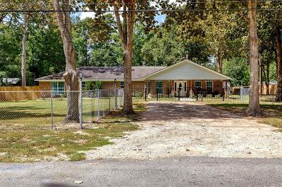 New Caney Single Family Home For Sale: 128 N White Oak Dr