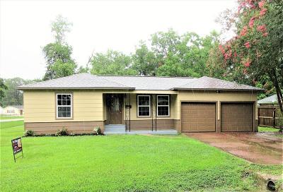 Alvin Single Family Home For Sale: 418 E Dumble Street
