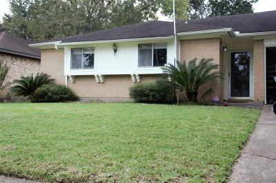 Pasadena Single Family Home For Sale: 3703 Moonlite Drive Drive