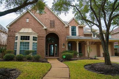 Sugar Land Single Family Home For Sale: 6318 Hidden Crest Way