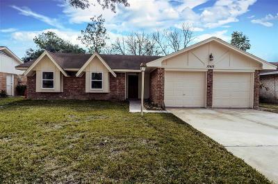 Sugar Land Single Family Home For Sale: 13415 Greenbriar Drive