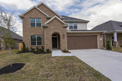 Crosby Single Family Home For Sale: 426 Beach Rose