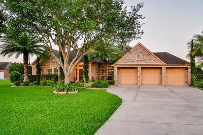 League City Single Family Home For Sale: 1868 Lake Landing Drive