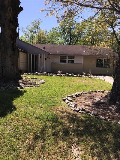 Houston Single Family Home For Sale: 5830 Ridgeway Drive