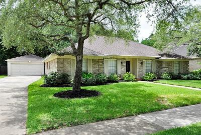 Sugar Land Single Family Home For Sale: 2554 Hodges Bend Circle
