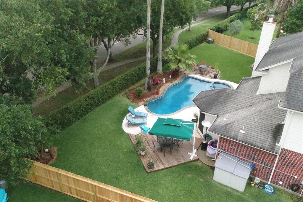 304 Summer Haven Circle, League City, TX | MLS# 35913934