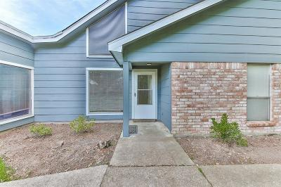 Humble Condo/Townhouse For Sale: 1967 Country Village Boulevard