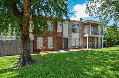 South Houston Condo/Townhouse For Sale: 600 S Allen Genoa Road