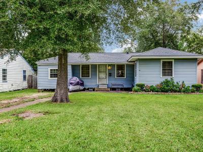 La Porte Single Family Home For Sale: 517 S Iowa Street