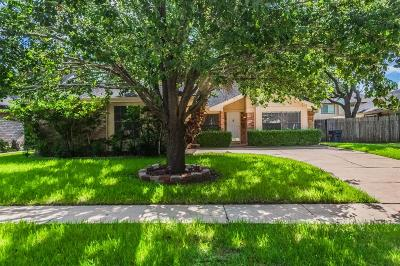 Sugar Land Single Family Home For Sale: 3307 Sturbridge Lane