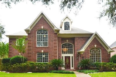 Sugar Land Single Family Home For Sale: 22 Saint Simons Court