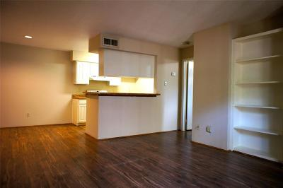 Houston Condo/Townhouse For Sale: 12955 Woodforest Boulevard #5