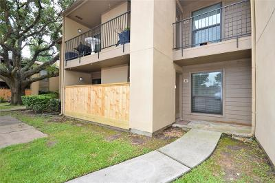 Seabrook Condo/Townhouse For Sale: 3300 Pebblebrook Dr Drive #17
