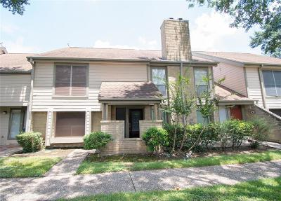 Memorial Condo/Townhouse For Sale: 728 Country Place Drive #E