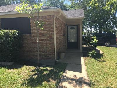 Pasadena Single Family Home For Sale: 1702 Robinhood Street
