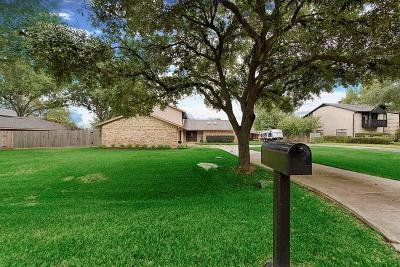 Willis Single Family Home For Sale: 9948 Twin Shores Drive