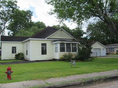 League City Single Family Home For Sale: 705 E Walker Street
