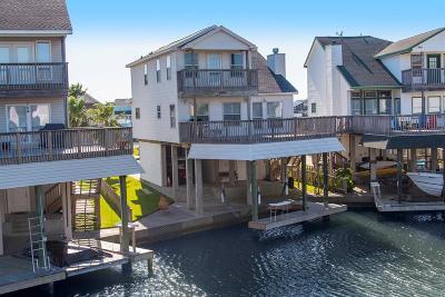 Tiki Island Single Family Home For Sale: 539 Sunset Circle
