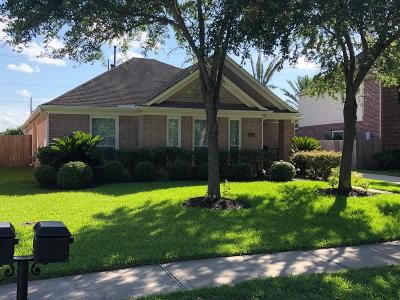 League City Single Family Home For Sale: 1104 Rippling Springs Lane Springs